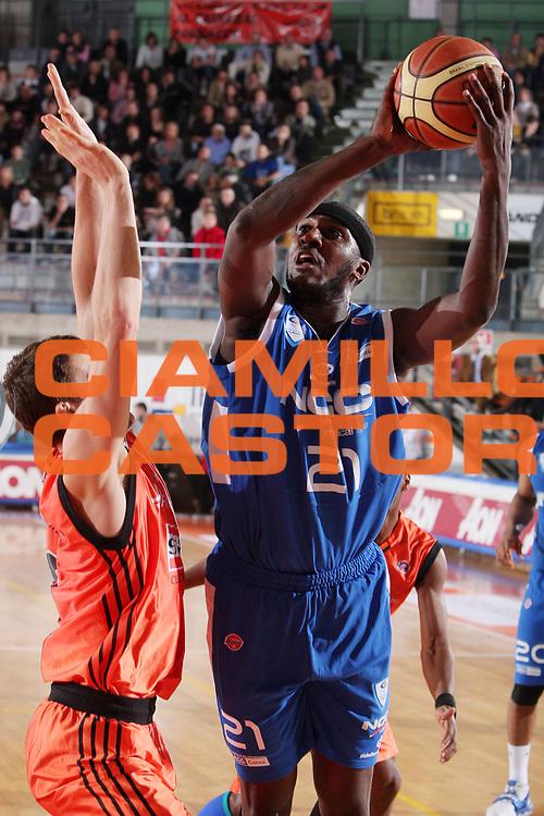 DESCRIZIONE : Udine Lega A1 2008-09 Snaidero Udine NGC Cantu <br /> GIOCATORE : kevinn pinkney <br /> SQUADRA : NGC Cantu<br /> EVENTO : Campionato Lega A1 2008-2009 <br /> GARA : Snaidero Udine NGC Cantu <br /> DATA : 02/11/2008 <br /> CATEGORIA : tiro <br /> SPORT : Pallacanestro <br /> AUTORE : Agenzia Ciamillo-Castoria/S.Silvestri