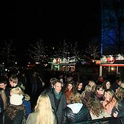 3FM Serious Request 2012 in Enschede van start! Overzichtsfoto plein waar glazen huis staat
