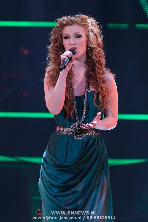 NLD/Hilversum/20111209- The Voice of Holland 2011, 2de live uitzending, Marieke Dollekamp
