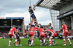 Stuart Hooper (Bath) rises high to win lineout ball - Photo mandatory by-line: Patrick Khachfe/JMP - Tel: Mobile: 07966 386802 12/04/2014 - SPORT - RUGBY UNION - Kingsholm Stadium, Gloucester - Gloucester Rugby v Bath Rugby - Aviva Premiership.
