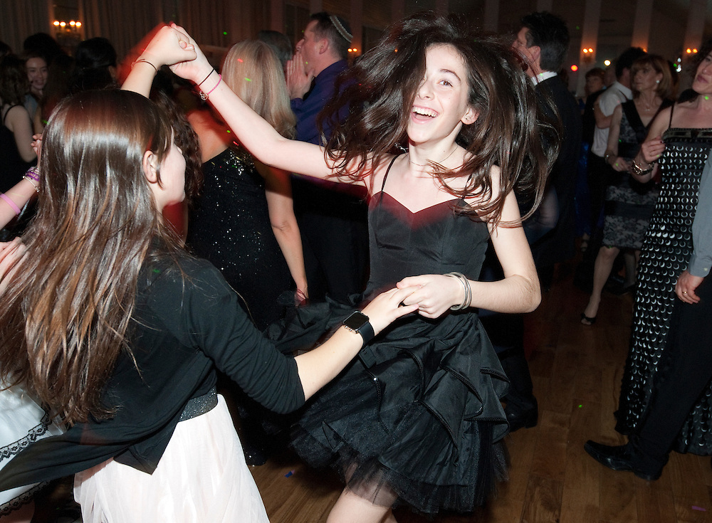Yasmin_Lermer_batmitzvah.Royal Majestic suite 196 Willesden Lane, Willesden Green, London NW6 7PR.© Antony Jones..