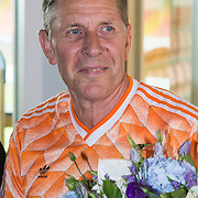 NLD/Volendam/20130612 - Opening Uniek Volendam, Arnold Muhren