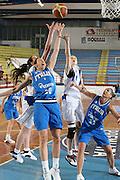 DESCRIZIONE : Porto San Giorgio Torneo Internazionale Basket Femminile Italia Serbia<br /> GIOCATORE : Laura Macchi<br /> SQUADRA : Nazionale Italia Donne<br /> EVENTO : Porto San Giorgio Torneo Internazionale Basket Femminile<br /> GARA : Italia Serbia<br /> DATA : 29/05/2009 <br /> CATEGORIA : rimbalzo<br /> SPORT : Pallacanestro <br /> AUTORE : Agenzia Ciamillo-Castoria/E.Castoria