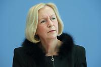 21 FEB 2013, BERLIN/GERMANY:<br /> Johanna Wanka, CDU, Bundesministerin fuer Bildung und Forschung, wahrend einer Pressekonferenz, Bundespressekonferenz<br /> IMAGE: 20130221-01-005