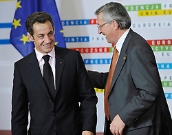"Nicolas Sarkozy, France's president, left, shares a laugh with Jean-Claude Juncker, Luxembourg's prime minister, during the ""Family Photo"" session at the European Summit, in Brussels, Belgium, Wednesday, Oct. 15, 2008.   (Photo © Jock Fistick)"