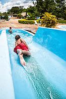 Piscina no Balneário das Águas. Quilombo, Santa Catarina, Brasil. / Swimming pool at Balneario das Aguas. Quilombo, Santa Catarina, Brazil.