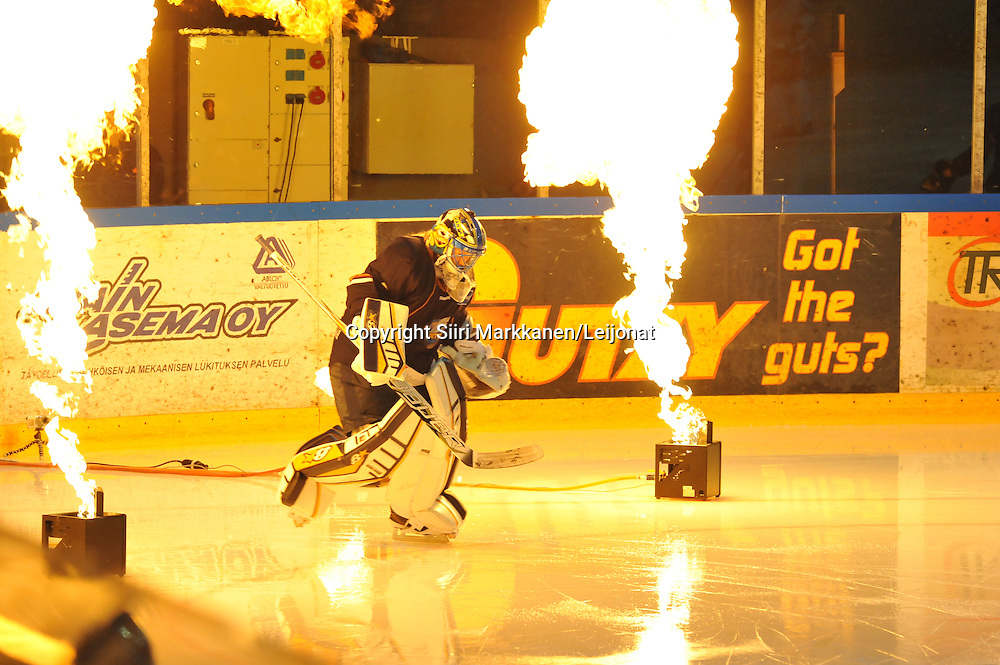 Mestis-ottelu Kiekko-Vantaa - TUTO Hockey pelattiin Tikkurilassa 1.11.2014