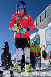 23.10.2015, Rettenbachferner, Soelden, AUT, FIS Weltcup Ski Alpin, Soelden, Vorbereitung, im Bild Lindsey Vonn (USA) waehrend dem Training // during preparation to FIS Ski Alpine World Cup at the Rettenbachferner in Soelden, Austria on 2015/10/23. EXPA Pictures &copy; 2015, PhotoCredit: EXPA/ Freshfocus/ Christian Pfander<br /> <br /> *****ATTENTION - for AUT, SLO, CRO, SRB, BIH, MAZ only*****