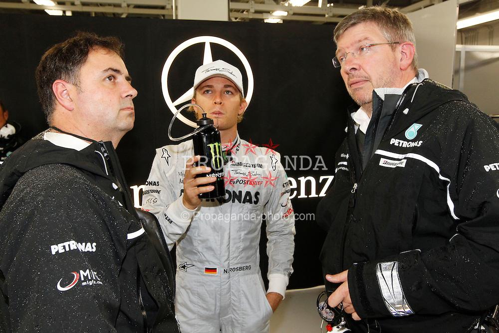 Motorsports / Formula 1: World Championship 2010, GP of Japan, 04 Nico Rosberg (GER, Mercedes GP Petronas), Ross Brawn (ENG, Mercedes GP Petronas),