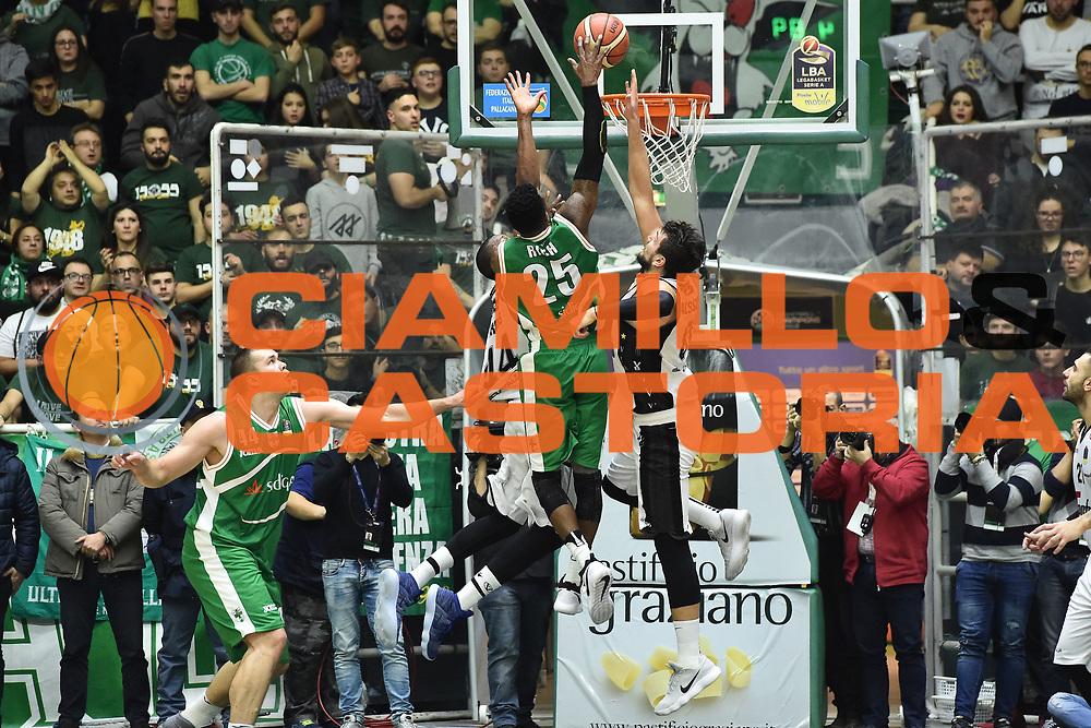 Rich Jason<br /> Sidigas Avellino - Segafredo Virtus Bologna<br /> Lega Basket Serie A 2017/2018<br /> Avellino, 07/01/2018<br /> Foto Giulio Ciamillo - Ciamillo - Castoria