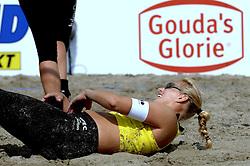 20-08-2006 VOLLEYBAL: NK BEACHVOLLEYBAL: SCHEVENINGEN<br /> 7de Landstitel voor Rebekka Kadijk<br /> ©2006-WWW.FOTOHOOGENDOORN.NL