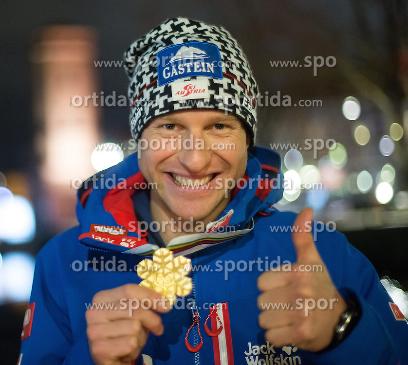 26.02.2015, Österreich Haus, Falun, SWE, FIS Weltmeisterschaften Ski Nordisch, Medaillenfeier, im Bild Goldmedaillen Gewinner Bernhard Gruber (AUT) // during the Medal Party of the FIS Nordic Ski World Championships 2015 at the Ski Austria House, Falun, Sweden on 2015/02/26. EXPA Pictures © 2015, PhotoCredit: EXPA/ JFK