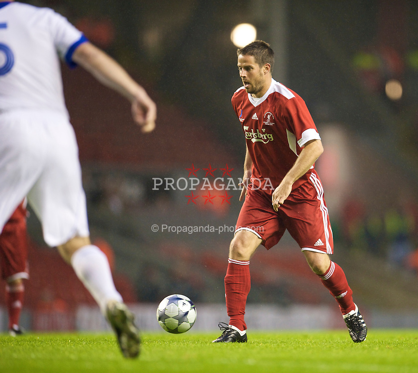 LIVERPOOL, ENGLAND - Thursday, May 14, 2009: Liverpool Legends' Jamie Redknapp during the Hillsborough Memorial Charity Game at Anfield. (Photo by David Rawcliffe/Propaganda)