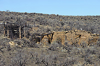 Ruins in high desert country, Sand Wash Basin,  , Colorado, USA   Photo: Peter Llewellyn