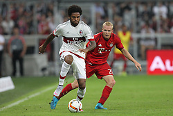 04.08.2015, Allianz Arena, Muenchen, GER, AUDI CUP, FC Bayern Muenchen vs AC Mailand, im Bild l-r: im Zweikampf, Aktion, mit Luiz Adriano Sousa #9 (AC Milan) und Sebastian Rode #20 (FC Bayern Muenchen) // during the 2015 AUDI Cup Match between FC Bayern Muenchen and AC Mailand at the Allianz Arena in Muenchen, Germany on 2015/08/04. EXPA Pictures &copy; 2015, PhotoCredit: EXPA/ Eibner-Pressefoto/ Kolbert<br /> <br /> *****ATTENTION - OUT of GER*****