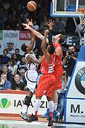 DESCRIZIONE : Caserta campionato serie A 2013/14 Pasta Reggia Caserta EA7 Olimpia Milano<br /> GIOCATORE : Keith Langford<br /> CATEGORIA : <br /> SQUADRA : EA7 Olimpia Milano<br /> EVENTO : Campionato serie A 2013/14<br /> GARA : Pasta Reggia Caserta EA7 Olimpia Milano<br /> DATA : 27/10/2013<br /> SPORT : Pallacanestro <br /> AUTORE : Agenzia Ciamillo-Castoria/GiulioCiamillo<br /> Galleria : Lega Basket A 2013-2014  <br /> Fotonotizia : Caserta campionato serie A 2013/14 Pasta Reggia Caserta EA7 Olimpia Milano<br /> Predefinita :
