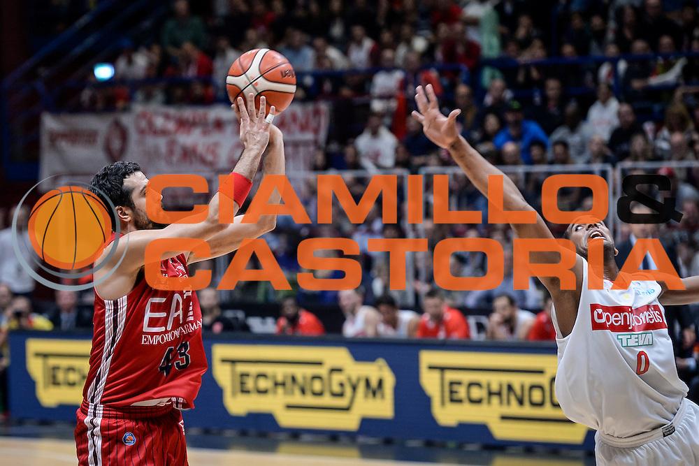 DESCRIZIONE : Milano Lega A 2015-16 Olimpia EA7 Emporio Armani Milano Openjobmetis Varese<br /> GIOCATORE : Krunoslav Simon<br /> CATEGORIA : Tiro Tre Punti <br /> SQUADRA : Olimpia EA7 Emporio Armani Milano<br /> EVENTO : Campionato Lega A 2015-2016<br /> GARA : Olimpia EA7 Emporio Armani Milano Openjobmetis Varese<br /> DATA : 11/10/2015<br /> SPORT : Pallacanestro<br /> AUTORE : Agenzia Ciamillo-Castoria/M.Ozbot<br /> Galleria : Lega Basket A 2015-2016 <br /> Fotonotizia: Milano Lega A 2015-16 Olimpia EA7 Emporio Armani Milano Openjobmetis Varese