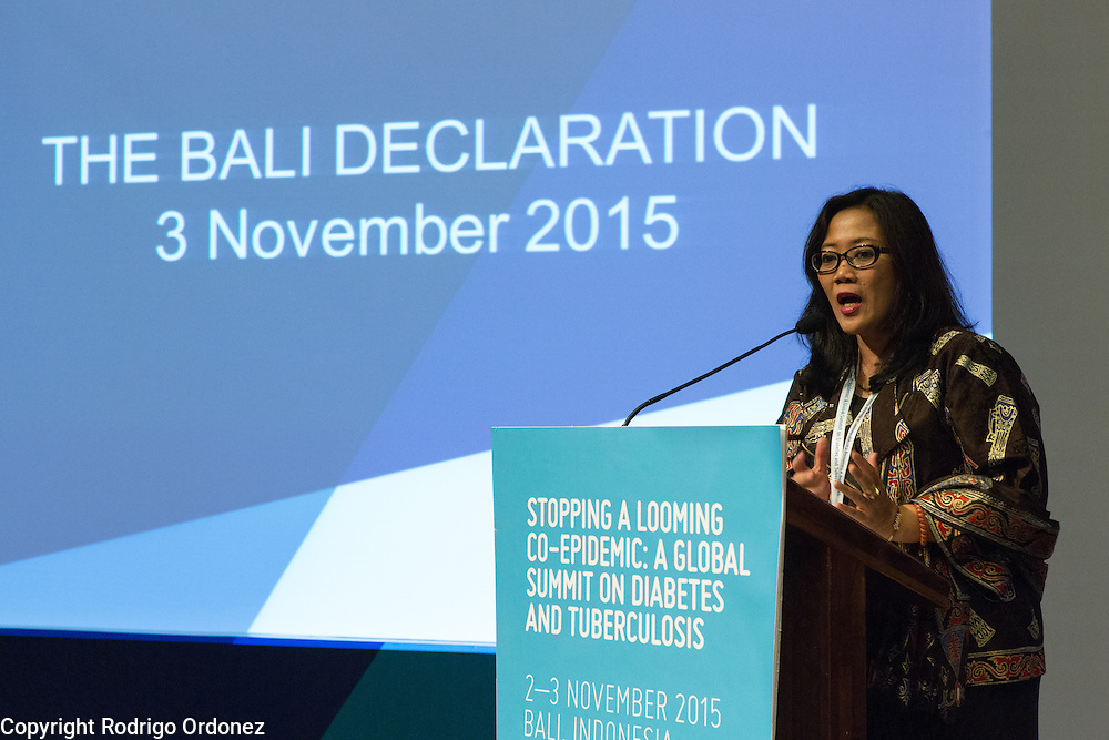 Dr Dyah Erti Mustikawati, National Diabetes Mellitus Program Manager for Indonesia's Ministry of Health, speaks at the closing of the global summit on diabetes and tuberculosis in Bali, Indonesia, on November 3, 2015.<br /> The increasing interaction of TB and diabetes is projected to become a major public health issue.&nbsp;The summit gathered a hundred public health officials, leading researchers, civil society representatives and business and technology leaders, who committed to take action to stop this double threat. (Photo: Rodrigo Ordonez for The Union)