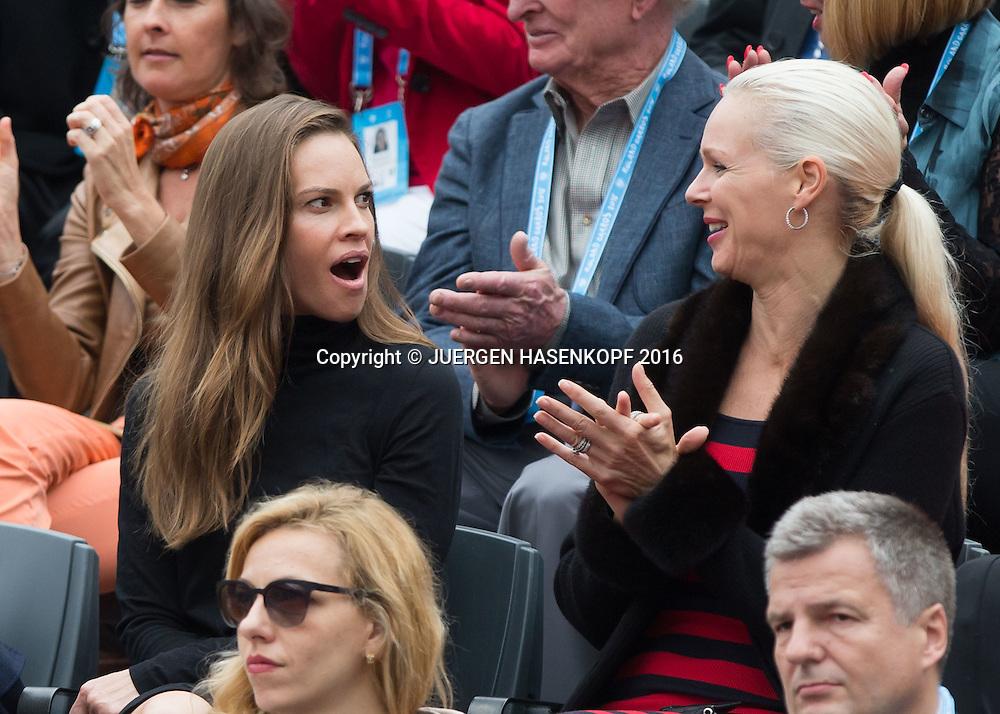 French Open 2016 Feature ,Schauspielerin Hilary Swank sitzt in der Ehrenloge,Herren Finale, Endspiel,<br /> <br /> <br /> Tennis - French Open 2016 - Grand Slam ITF / ATP / WTA -  Roland Garros - Paris -  - France  - 5 June 2016.