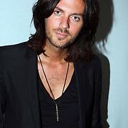 NLD/Amsterdam/20070727 - Inloop modeshow Darryl van der Wouw tijdens de Amsterdam fashionweek 2007, stylist Thijs Willekes