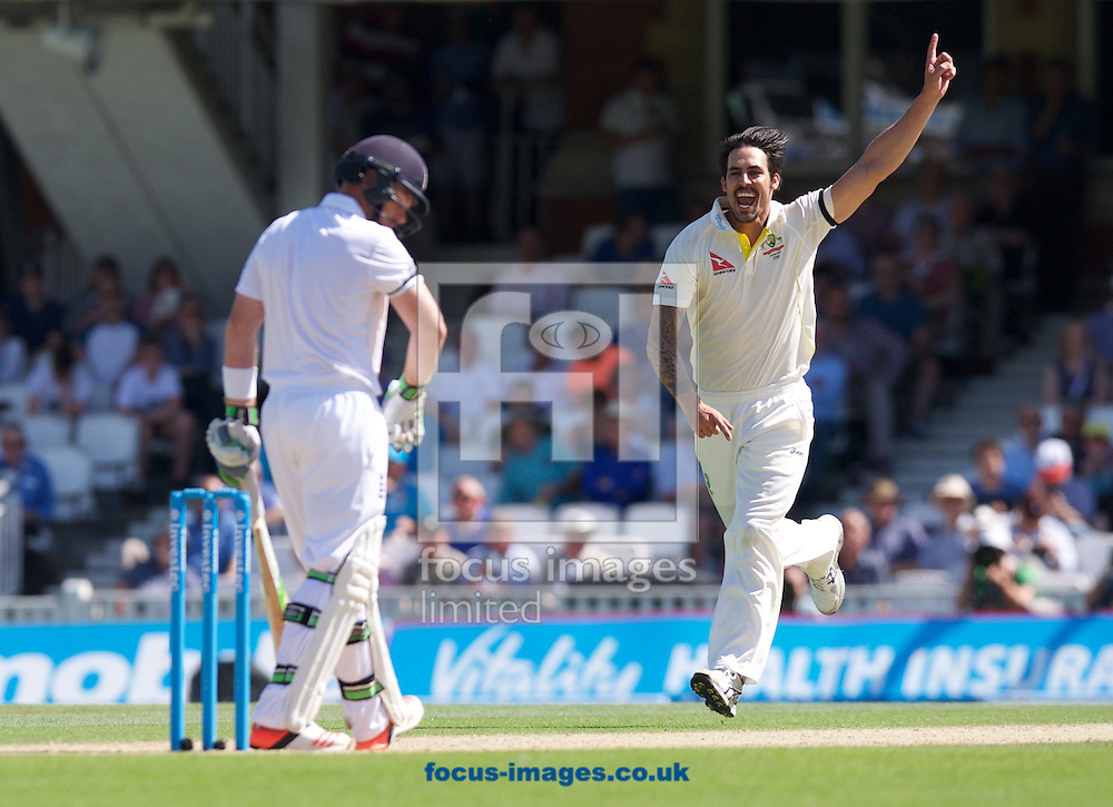 Mitchell Johnson of Australia makes an appeal for the wicket of Ian Bell of England but is turned down on review during the 5th Investec Ashes Test Match match at the Kia Oval, London<br /> Picture by Alan Stanford/Focus Images Ltd +44 7915 056117<br /> 22/08/2015