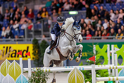 HINNERS Sophie (GER), Carlotta 212<br /> Genf - CHI Geneve Rolex Grand Slam 2019<br /> Grand Prix des Espoirs<br /> Internationales Springen Fehler/Zeit mit Stechen U25<br /> Competition for under 25 1m45<br /> Against the Clock with Jump-Off<br /> 13. Dezember 2019<br /> © www.sportfotos-lafrentz.de/Stefan Lafrentz