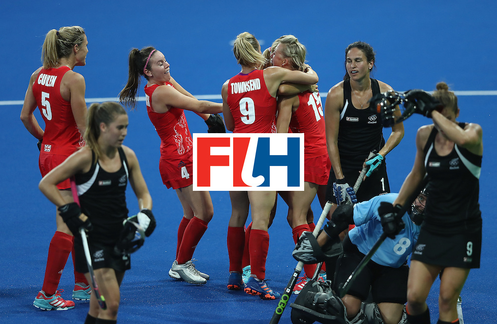 RIO DE JANEIRO, BRAZIL - AUGUST 17:  Alex Danson of Great Britain celebrates with team mates after scoring the opening goal during the Women's hockey semi final match betwen New Zealand and Great Britain on Day12 of the Rio 2016 Olympic Games at the Olympic Hockey Centre on August 17, 2016 in Rio de Janeiro, Brazil.  (Photo by David Rogers/Getty Images)
