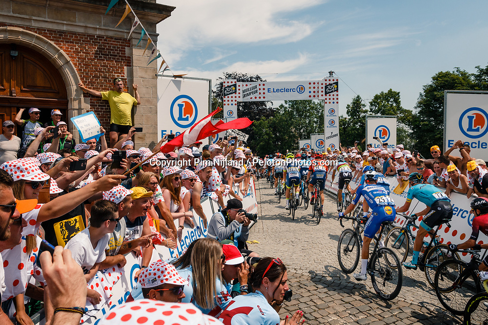 Peloton with Enric Mas (ESP) of Deceuninck - Quick Step (BEL,WT,Specialized) at the Muur van Geraardsbergen during stage 1 from Bruxelles to Brussel of the 106th Tour de France, 6 July 2019. Photo by Pim Nijland / PelotonPhotos.com | All photos usage must carry mandatory copyright credit (Peloton Photos | Pim Nijland)
