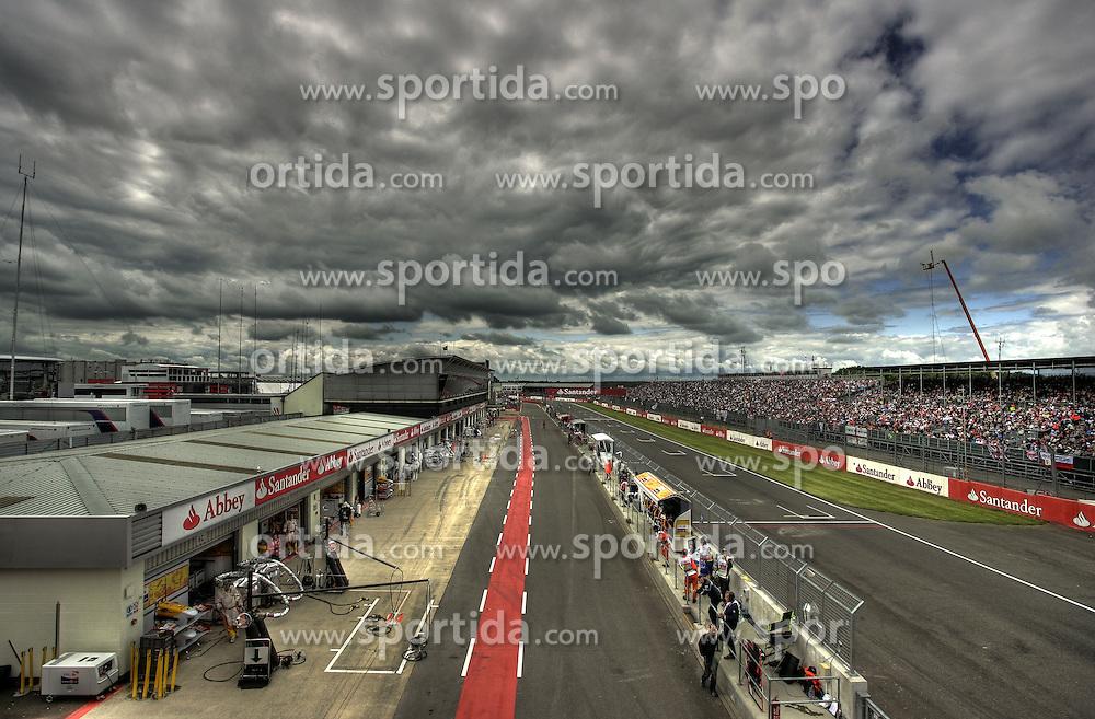 FORMEL 1: GP von England, Silverstone, 20.06.2009 Rennstrecke, Illustration, Start- Zielgerade<br /> &Atilde;'&Acirc;&copy; pixathlon