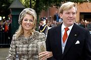 Zijne Hoogheid Prins Floris van Oranje Nassau, van Vollenhoven en mevrouw mr. A.L.A.M. Söhngen zijn zaterdag 22 oktober in de kerk van Naarden in het  huwelijk getreden. De prins is de jongste zoon van Prinses Magriet en Pieter van Vollenhoven.<br /> <br /> Church Wedding Prince Floris and Aimée Söhngen. <br /> <br /> Church Wedding Prince Floris and Aimée Söhngen in Naarden. The Prince is the youngest son of Princess Margriet, Queen Beatrix's sister, and Pieter van Vollenhoven. <br /> <br /> Op de foto / On the photo;<br /> <br /> <br /> <br /> Hare Koninklijke Hoogheid Prinses Máxima der Nederlanden en Zijne Koninklijke Hoogheid de Prins van Oranje Willem Alexander<br /> <br /> Her royal highness princess Máxima of the The Netherlands and Willem Alexander