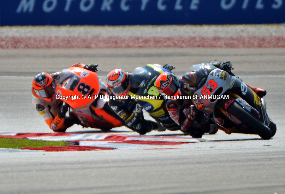 53, Esteve RABAT, SPA, Marc VDS Racing KALEX Moto2 leads - <br /> MOTO2 , Malayia Motorcycle Grand Prix - Grosser Preis von Malaysia Motorrad-WM -  Moto 2 - 25 Okt. 2014 Honorarpflichtiges Foto, Fee liable image, Copyright &copy; ATP Thinakaran SHANMUGAM