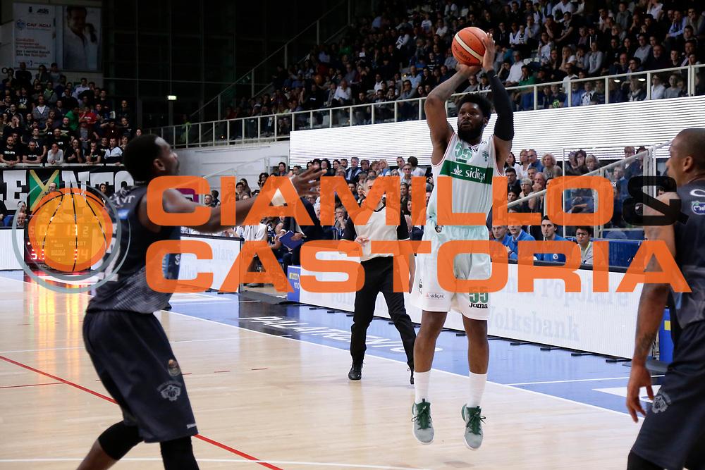 Thomas Adonis<br /> Dolomiti Energia Aquila Basket Trento - Sidigas Scandone Avellino<br /> Lega Basket Serie A 2016/2017<br /> PalaTrento 07/05/2017<br /> Foto Ciamillo-Castoria / M. Brondi