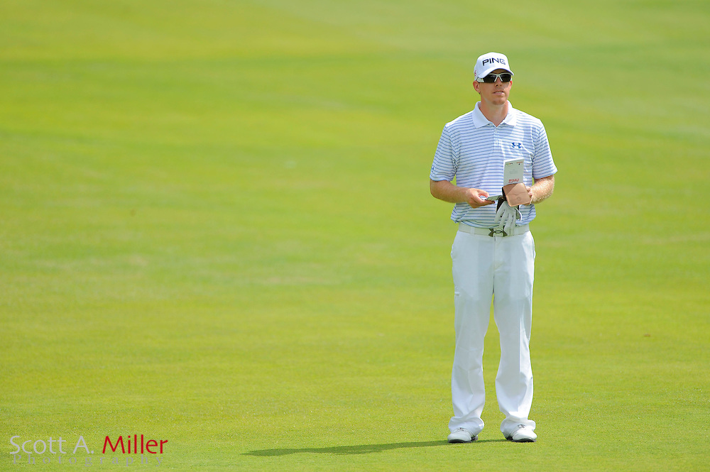 Hunter Mahan (USA) looks over his yardage book on the first fairway during the second round of the PGA Tour Championship at East Lake Golf Club on Sept. 25, 2009 in Decatur, Ga.     ..©2009 Scott A. Miller