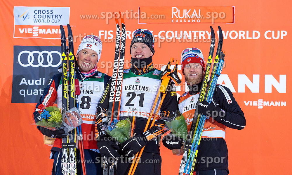 27.11.2016, Nordic Arena, Ruka, FIN, FIS Weltcup Langlauf, Nordic Opening, Kuusamo, Herren, im Bild Emil Iversen (NOR), Sieger Iivo Niskanen (FIN), Martin Johnsrud Sundby (NOR) // Emil Iversen of Norway, Winner Iivo Niskanen of Finland, Martin Johnsrud Sundby of Norway during the Mens FIS Cross Country World Cup of the Nordic Opening at the Nordic Arena in Ruka, Finland on 2016/11/27. EXPA Pictures © 2016, PhotoCredit: EXPA/ JFK