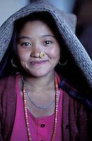 Nepal - Region de Gorkha - Jeune femme d'ethnie Gurung - Sourire