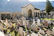 Italie, Margreid, Magr&egrave;, 20080403<br /> Wijndomein Alois Lageder.<br /> Het wijnhuis is als visionair reeds decennia geleden  omgeschakeld op duurzame, biologisch-dynamische wijnbouw van de hoogste kwaliteit.<br /> Mais hangt te drogen bij een wijnboer. <br /> Margreid an der Weinstra&szlig;e (Italiaans: Magr&egrave; sulla Strada del Vino) is een gemeente in de Italiaanse provincie Zuid-Tirol (regio Trentino-Zuid-Tirol), oftewel de regio Alto Adige in Noord-Itali&euml;.<br /> In de wijnlokalen kunt u genieten van lokale wijnen (Lagrein, Vernatsch en Gew&uuml;rztraminer) en van andere goede wijnen, zoals Pinot Blanc, Sauvignon Blanc, Merlot en Cabernet.<br /> <br /> Italy, Margreid, Magr&egrave;, 20080403<br /> Wijndomein Alois Lageder. The winery is as visionary already been converted decades ago sustainable, biodynamic wine of the highest quality. Corn is drying at a winery. Margreid Weinstra&szlig;e (Italian Magr&egrave; sulla Strada del Vino) is a town in the Italian province of South Tyrol (Trentino-Alto Adige), or the region of Alto Adige in northern Italy. In the taverns you can taste local wines (Lagrein, Vernatsch and Gew&uuml;rztraminer) and other fine wines, such as Pinot Blanc, Sauvignon Blanc, Merlot and Cabernet.