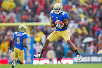 17 October 2012: Wide receiver (1) Shaquelle Evans of the UCLA Bruins catches a pass against the USC Trojans during the second half of UCLA's 38-28 victory over USC at the Rose Bowl in Pasadena, CA.