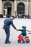 30-4-2018 STOCKHOLM - , The King's birthday<br /> The King, The Queen, The Crown Princess, Prince Daniel, Prince Carl Philip, Princess Sofia <br /> Crown Princess Victoria of Sweden, prince Oscar Carl Olof, Princess Estelle, Prince Daniel, Princess Sofia, Prince Carl Philip, King Carl Gustaf and Queen Silvia King Carl Gustaf, Queen Silvia, Crown Princess Victoria, Prince Daniel, Prince Carl Philip, Princess Madeleine and Chris O&rsquo;Neill The Swedish Armed Forces&rsquo; celebration &ndash; The Outer Courtyard celebration of The King&rsquo;s 70th birthday celebration of The King&rsquo;s 72th birthday STOCKHOLM COPYRIGHT ROBIN UTRECHT 30-4-2018 - prinses Beatrix Chris O'Neill, Prinses Madeleine van Zweden, Kroonprinses Victoria van Zweden, Oscar Carl Olof, Prinses Estelle, Prins Daniel, Princess Sofia, prins Carl Philip, koning Carl Gustaf en koningin Silvia Koning Carl Gustaf , koningin Silvia, kroonprinses Victoria, Prins Daniel, prins Carl Philip, prinses Madeleine en Chris O'Neill De Zweedse strijdkrachten 'viering - The Outer Courtyard viering van The King's 72ste verjaardag viering van de koning van zweden 72ste verjaardag