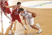 DESCRIZIONE : Torino Qualificazione Eurobasket 2009 Italia Bulgaria<br /> GIOCATORE : Giuseppe Poeta <br /> SQUADRA : Nazionale Italia Uomini<br /> EVENTO : Raduno Collegiale Nazionale Maschile <br /> GARA : Italia Bulgaria Italy Bulgaria<br /> DATA : 17/09/2008 <br /> CATEGORIA : super penetrazione <br /> SPORT : Pallacanestro <br /> AUTORE : Agenzia Ciamillo-Castoria/M.Marchi <br /> Galleria : Fip Nazionali 2008<br /> Fotonotizia : Torino Qualificazione Eurobasket 2009 Italia Bulgaria<br /> Predefinita :