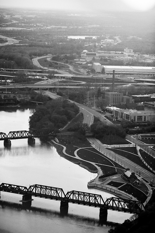 The sun sets over Columbus, Ohio on Monday, April 27, 2009. The city of Columbus has become a hub for narcotics trafficking as it lies between Chicago and the eastern seaboard and is easily accessible via Interstate 70.
