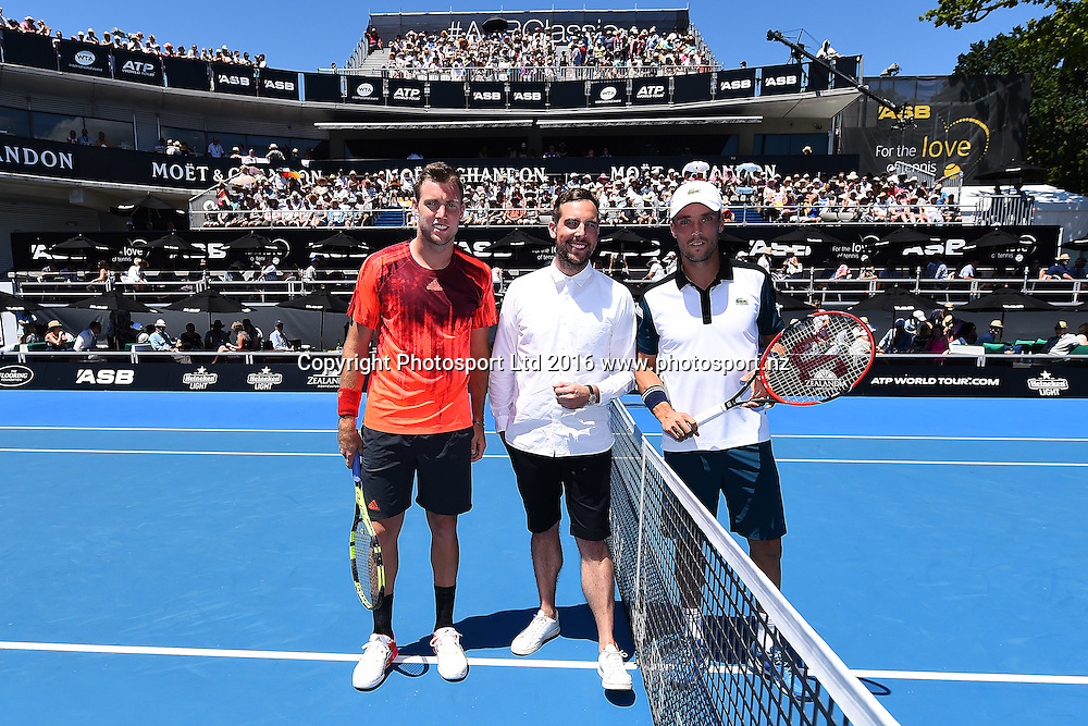 Jack Sock from the USA and Roberto Bautista Agut from Spain during Day 6 Finals of the 2016 ASB Classic Mens. ASB Tennis Centre, Auckland, New Zealand. Saturday 16 January 2016. Copyright Photo: Chris Symes / www.photosport.nz