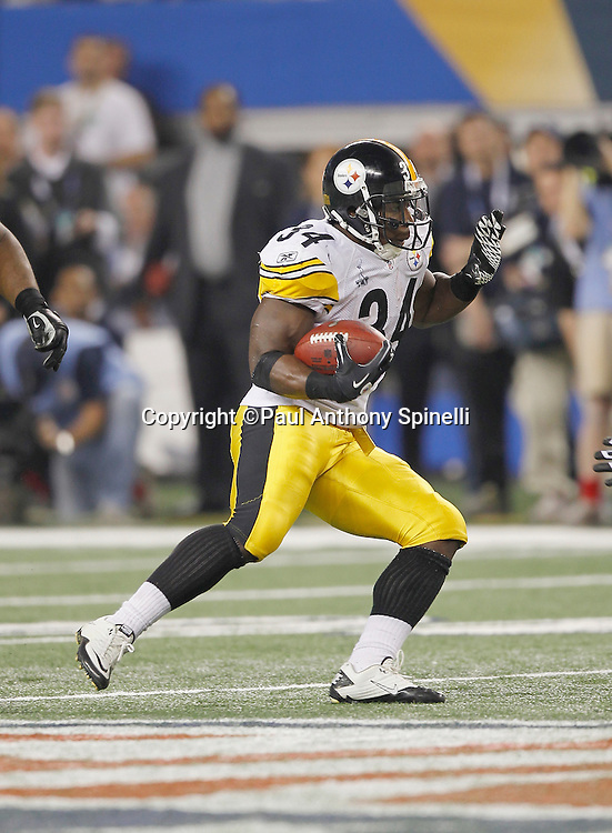 Pittsburgh Steelers running back Rashard Mendenhall (34) catches a pass for a short gain during Super Bowl XLV against the Green Bay Packers on Sunday, February 6, 2011, in Arlington, Texas. The Packers won the game 31-25. ©Paul Anthony Spinelli