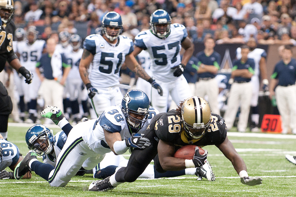 21 November 2010: Seattle Seahawks wide receiver Ben Obomanu (87) catch a the ball for a touchdown during the first half of the game. New Orleans Saints leads Seattle Seahawks 27 -16 at first half.