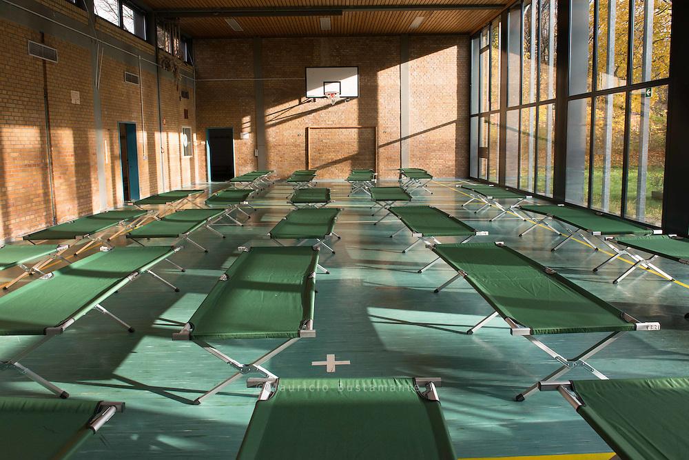 In einer ehemaligen Schule in Horn wurde eine neue Winter-Notunterkunft geöffnet.<br /> Vor allem Bulgaren, Rumänen und Afrikaner fi nden dort einen Erfrierungsschutz.