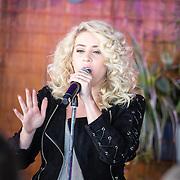 NLD/Amsterdam/20160930 - Presentatie debuut cd O'G3NE , optreden