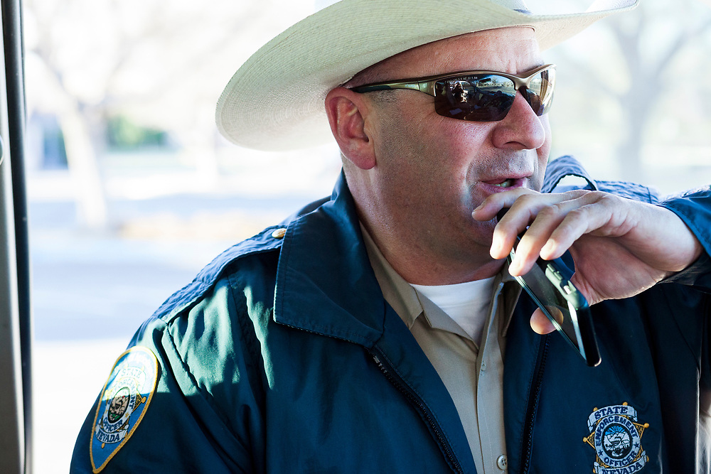 Nevada Department of Agriculture enforcement officer Chris Miller on patrol in Nevada's northwest district. (Photo by Nick Gonzales/ NickGphotos.com)