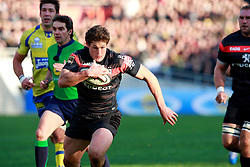 Luke Burgess breaks through the Clermont defence to score a a try for Toulouse. Stade Toulousain v ASM Clermont Auvergne, Top 14, Stade Municipal, Toulouse, France, 1st December 2012.