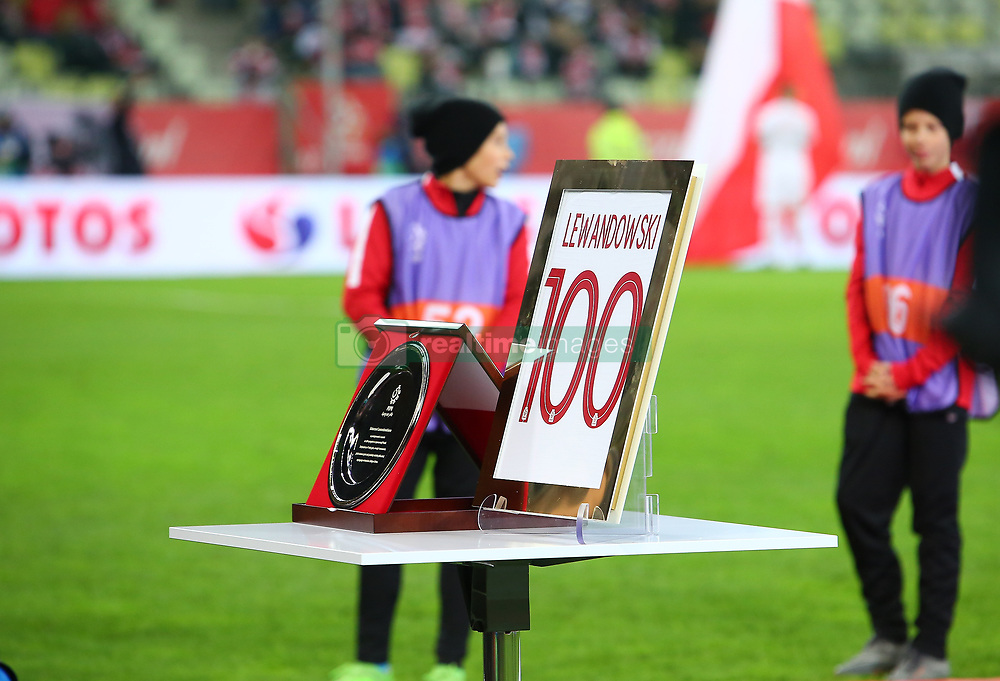 November 15, 2018 - Gdansk, Pomorze, Poland - An award for 100th game for Poland by Robert Lewandowski is seen during International Friendly match between Poland and Czech Republic on November 15, 2018 in Gdansk, Poland. (Credit Image: © Mateusz Wlodarczyk/NurPhoto via ZUMA Press)