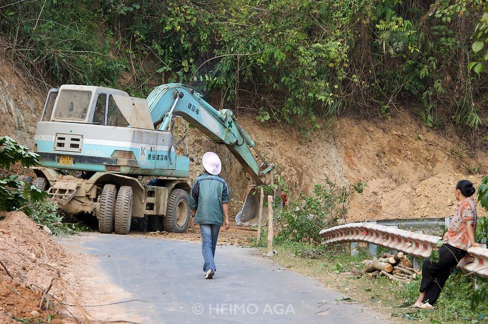 Da River valley. Road works after a mudslide.