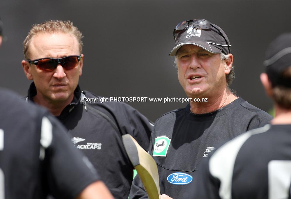 Allan Donald and John Wright talk to the team. New Zealand Black Caps v Pakistan, ODI Cricket. Match 1, Westpac Stadium, Wellington, New Zealand. Saturday 22 January 2011. Photo: Andrew Cornaga/photosport.co.nz